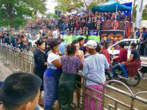 ミャンマー水かけ祭り